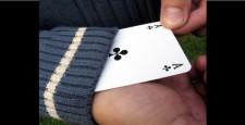 """Während wir in diesem Artikel gezeigt haben, dass online Poker nicht """"rigged"""" (manipuliert) ist, so gibt es doch einige Formen des Betrugs beim online Poker, die tatsächlich vorkommen können. Wir […]"""